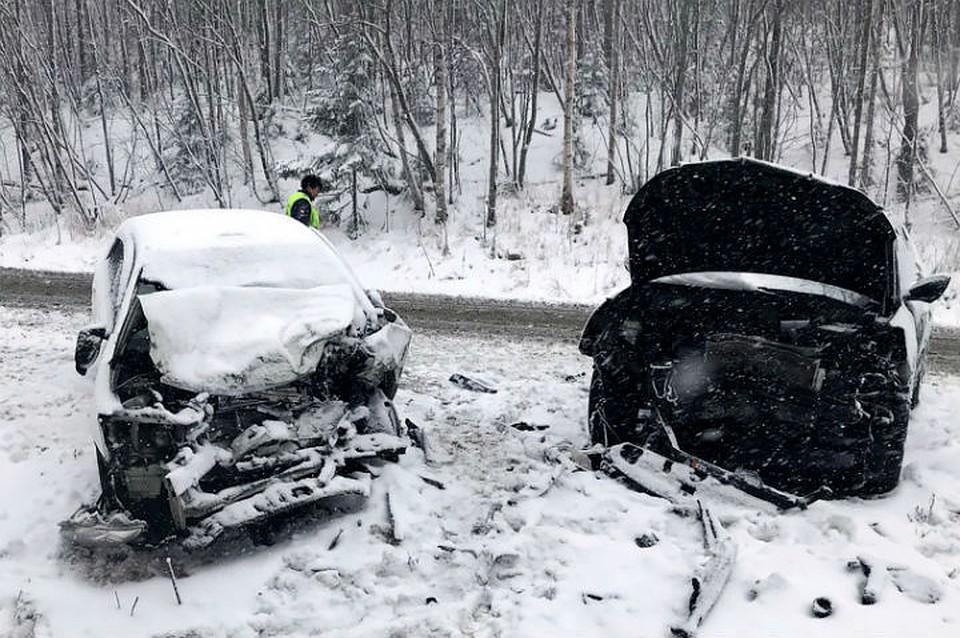 Под Иркутском столкнулись два автомобиля, умер человек, сказал источник