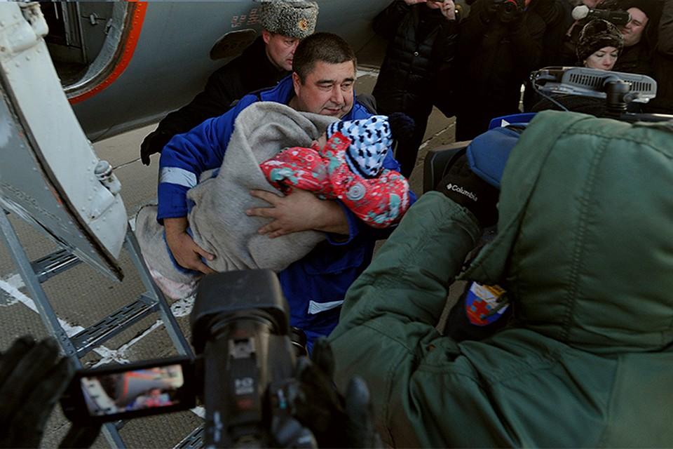 Выжившей вавиакатастрофе под Хабаровском девочке предстоит операция