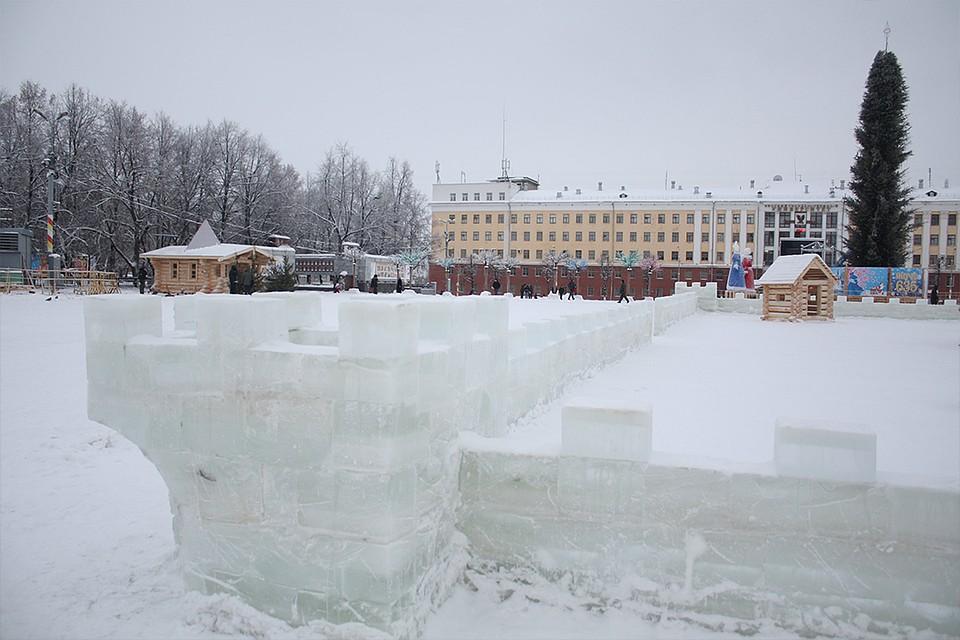 Подготовка Театральной площади кНовому году закончится до20декабря