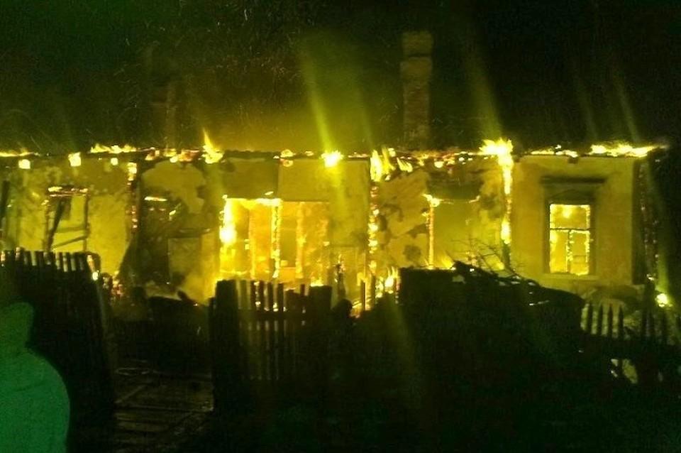 ВРостовской области сгорел дом: погибли двое