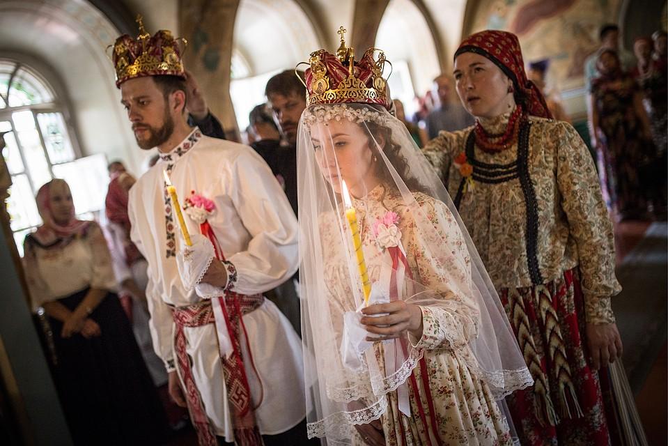 Архиерейский храм РПЦ позволил крёстному отцу иматери заключать браки