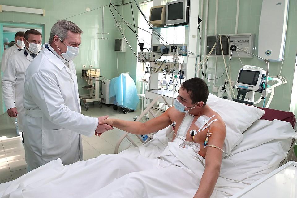 ВРостове-на-Дону медсотрудники, которые сделали первую операцию попересадке сердца, получили награды