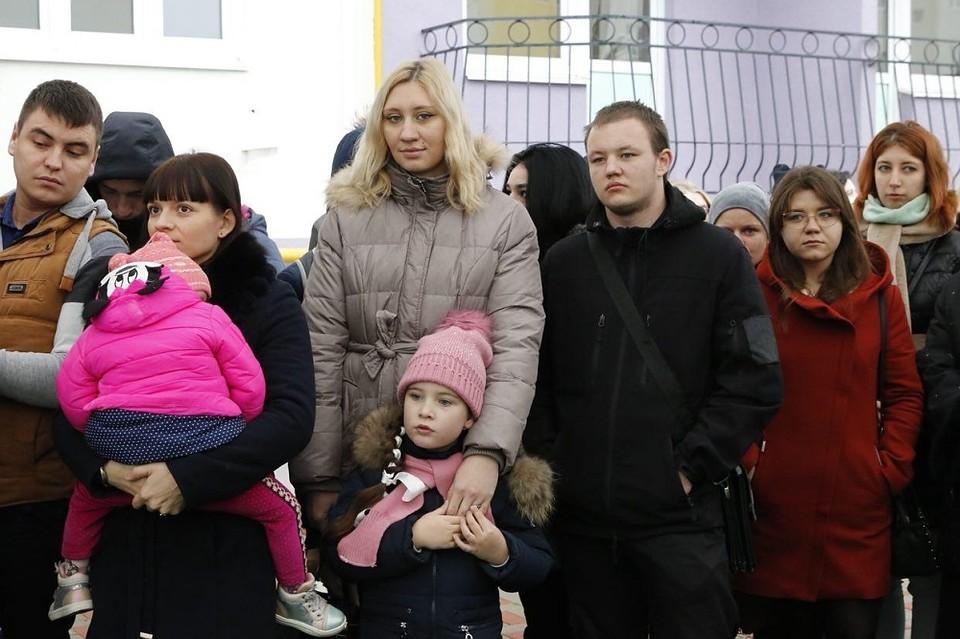 Власти Кубани передали сиротам около 60 новых квартир
