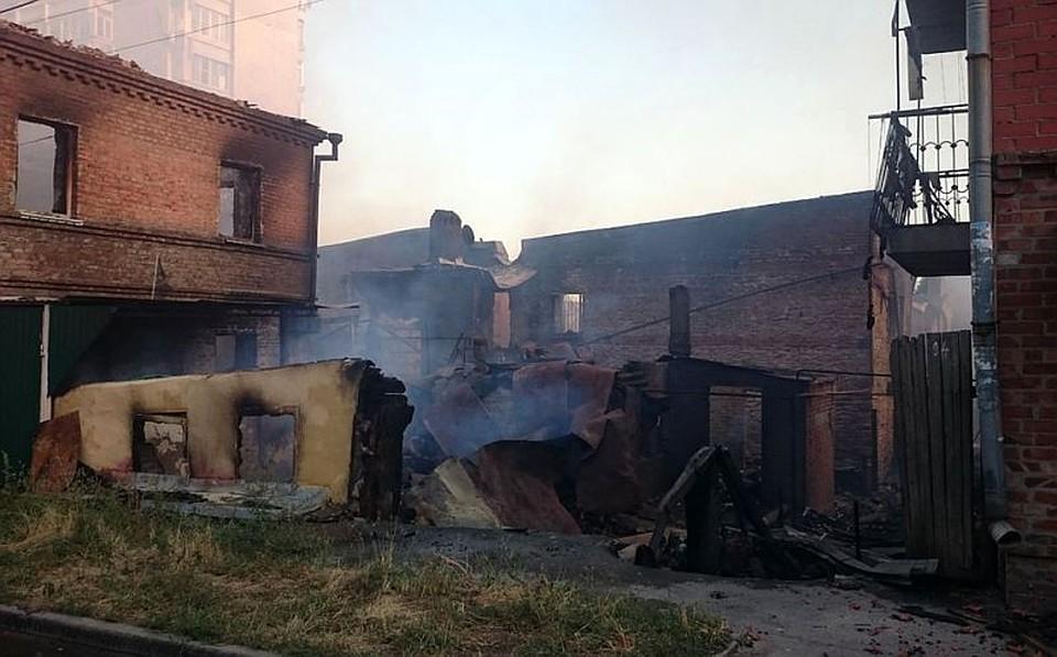 Ростовские погорельцы требуют разрешения наотстройку домов, уничтоженных 21августа