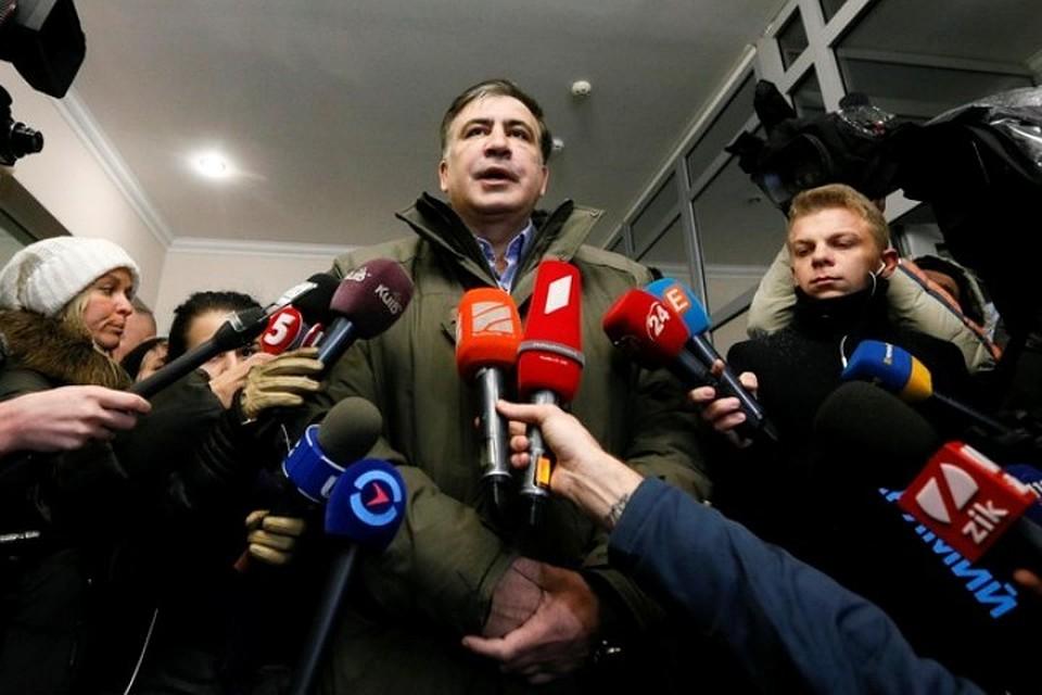 Саакашвили решил ввести «полный мораторий» напротесты вКиеве
