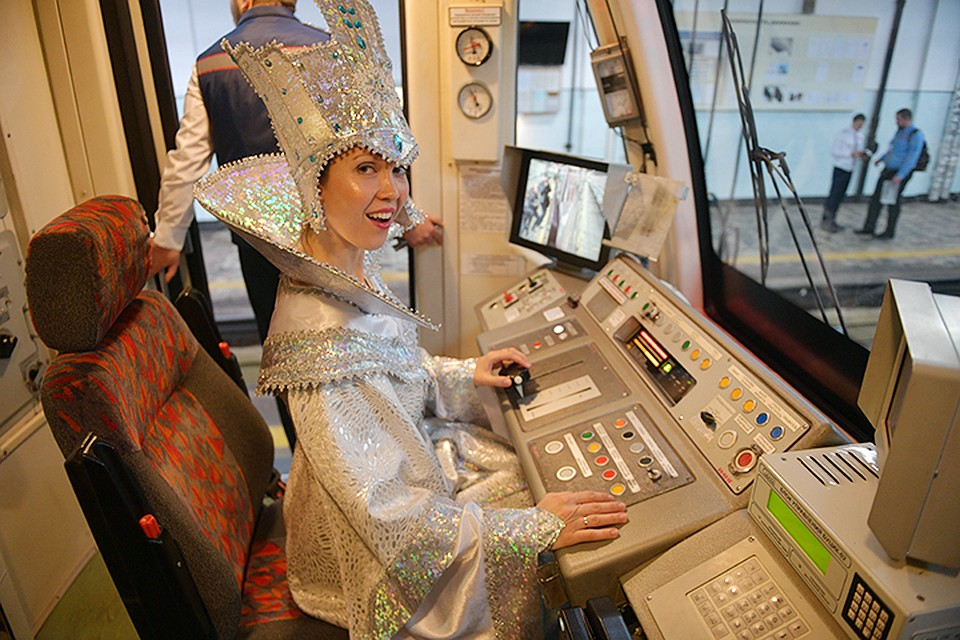 Поезд «Путешествие вРождество» запустили наКольцевой линии московского метро