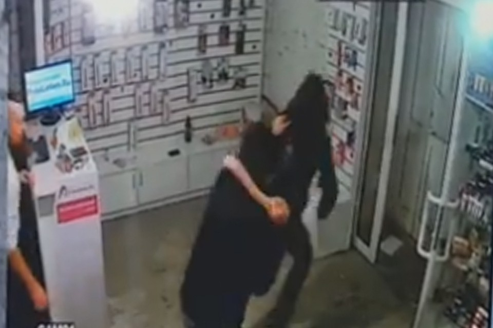 Клиент нейтрализовал преступника секс-шопа вБарнауле фаллоимитатором
