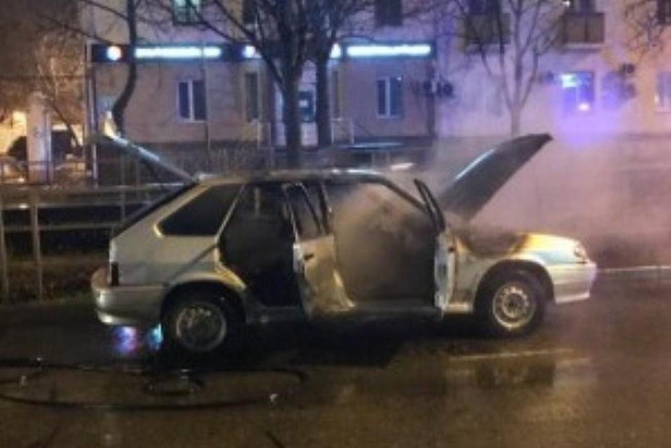 ВКраснодаре наСтавропольской сгорела легковушка