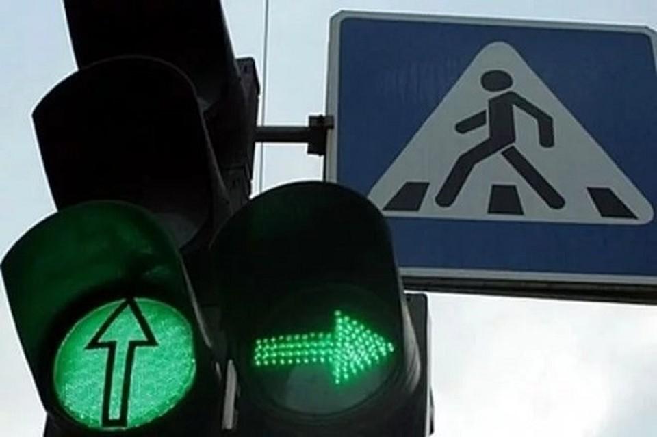 НаАлроса увеличили время работы зеленого сигнала светофора