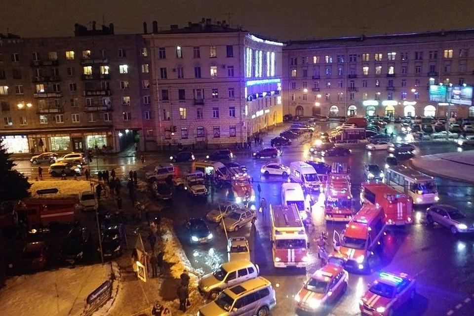 СМИ опубликовали фотокарточку  бомбы измагазина «Перекрёсток» в северной столице