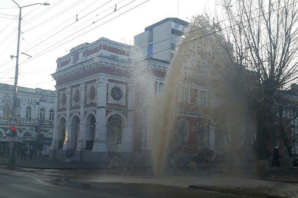 Ржавый фонтан наТеатральной площади вызвал фурор в социальных сетях