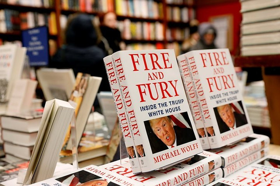 Скандальная книжка оДональде Трампе побила рекорды продаж вСША