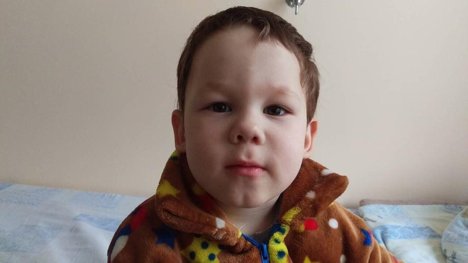 Милиция ищет мать найденного вподъезде 2-летнего ребенка
