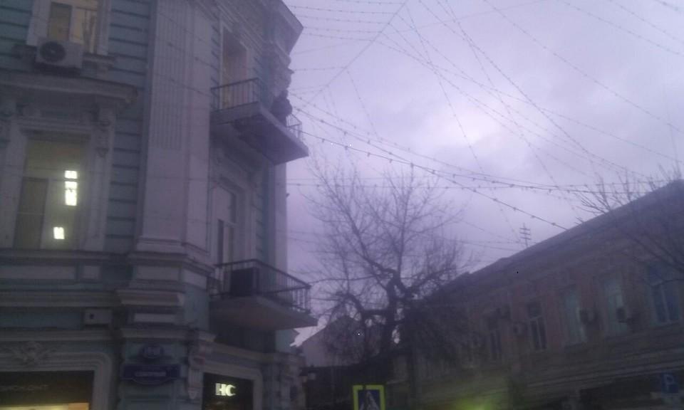 НаСоборном вРостове обрушилась часть балкона