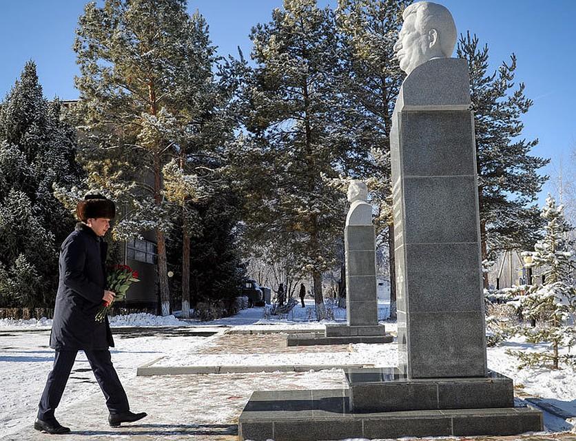 Сапар Исаков: «Кыргызстан— великая страна, так как унее есть Чынгыз Айтматов»