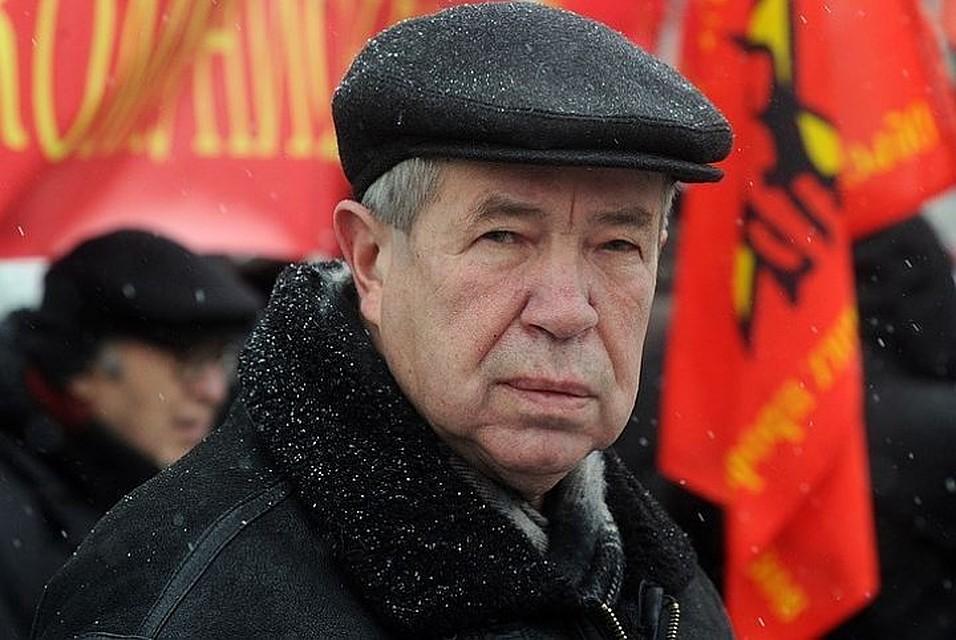 Прощание сАнпиловым пройдет втраурном зале Троекуровского кладбища