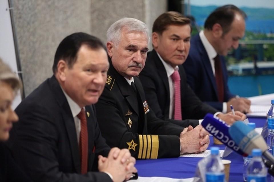 Поддержать кандидата В. Путина можно в публичных приемных единороссов
