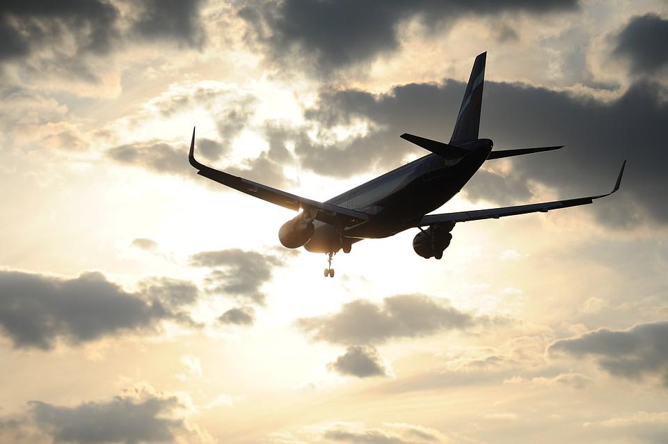 Два пассажирских самолета едва нестолкнулись внебе над Ростовской областью