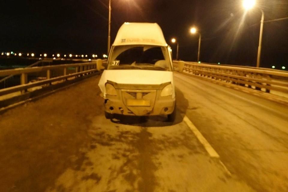 ВАстрахани маршрутка угодила вДТП, пострадали шесть человек
