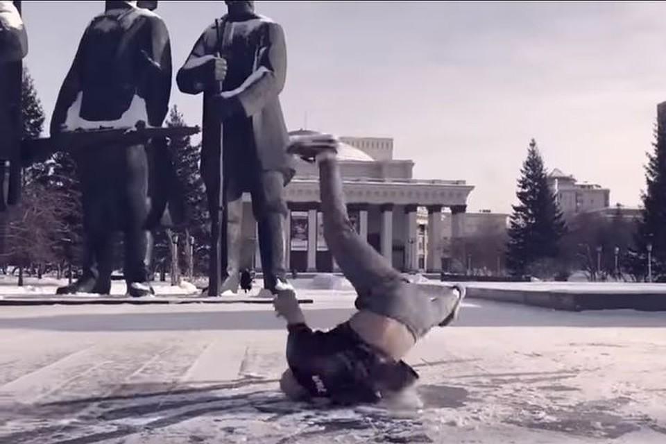 Сибирские танцоры влёгкой одежде станцевали брейк на30-градусном морозе