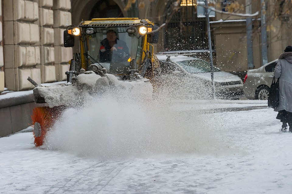 За прошедшую неделю спетербургских улиц вывезли 150 тыс. кубометров снега