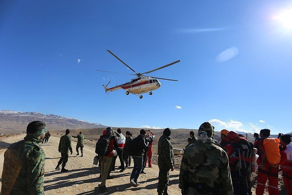 СМИ проинформировали обобнаружении фюзеляжа разбившегося вИране самолета