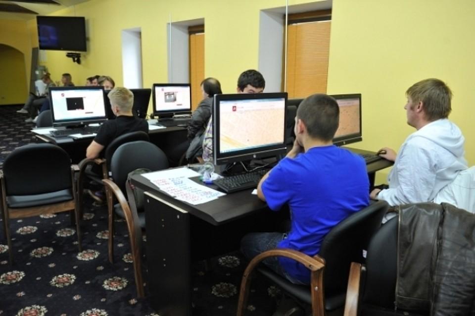 Жители России рассказали, начто готовы ради интернета