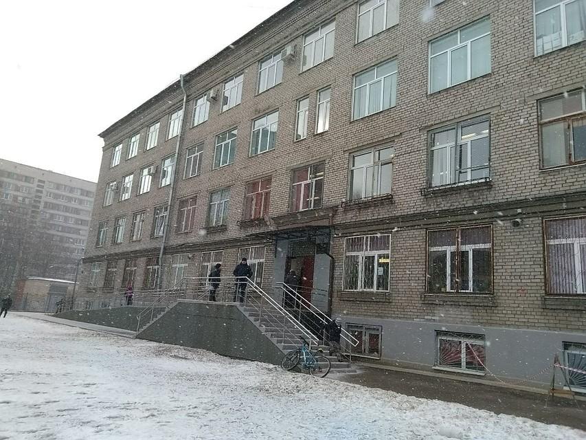 Таковых массовых отравлений детей вПетербурге еще небыло— Смольный