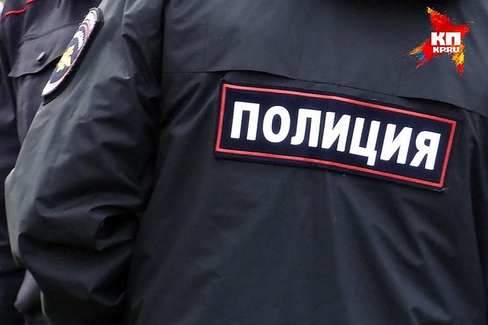 Задержаны пассажиры-вымогатели врезавшейся вворота милиции легковушки