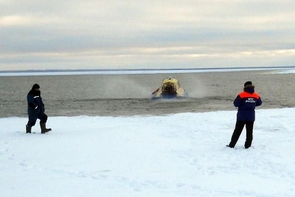 Опасные игры: cотрудники экстренных служб сняли сльдины 2-х детей