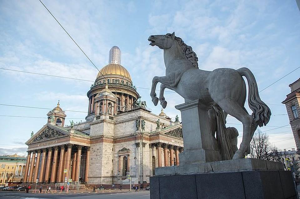 Санкт-Петербург стал наиболее популярным  городом утуристов наДень Победы