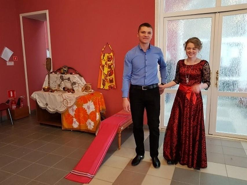 20 пар поженились вХимках наКрасную горку