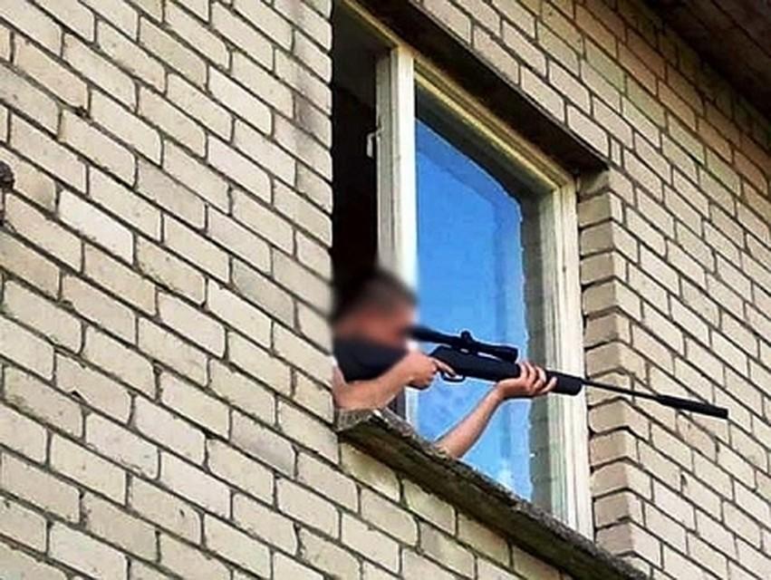 ВКотовске мужчина открыл стрельбу поприятелям с8 этажа