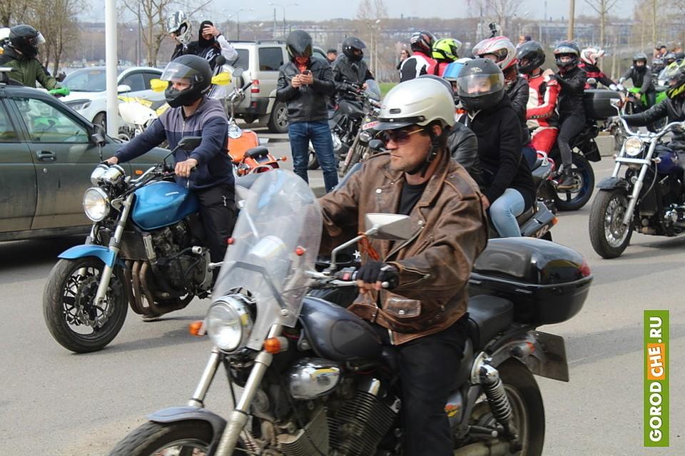 Больше 100 мотоциклистов открыли сезон коДню Победы вЧереповце