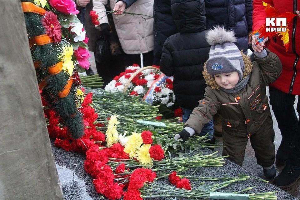 ВРжеве после реконструкции вновь открыт монумент воинам-казахстанцам
