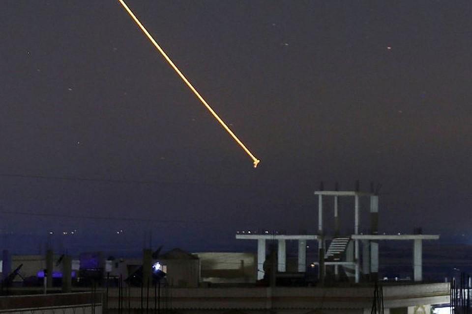 Израиль запустил десятки ракет поСирии