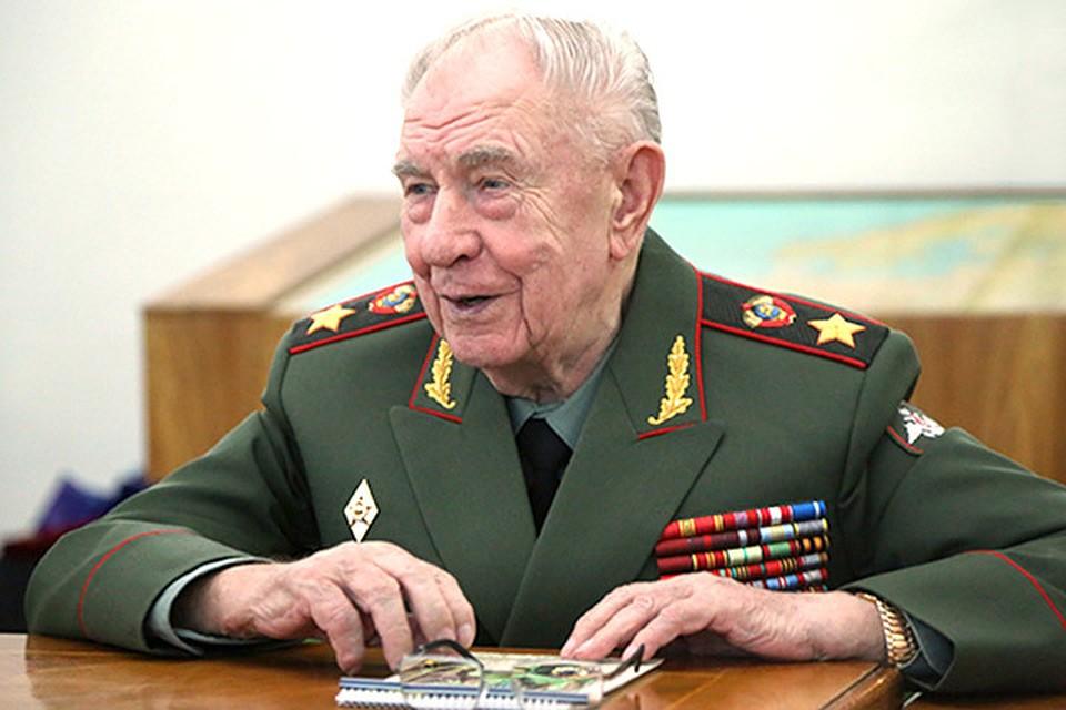 Генпрокуратура Литвы требует приговорить кпожизненному сроку экс-министра обороны СССР