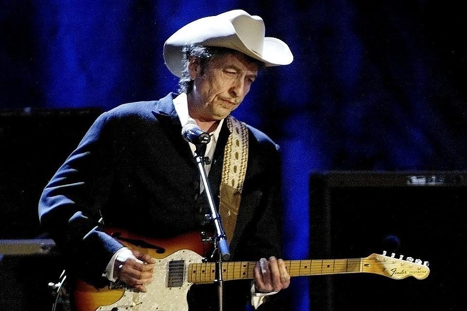 Нааукционе продали электронную гитару Боба Дилана за490 тыс. долларов