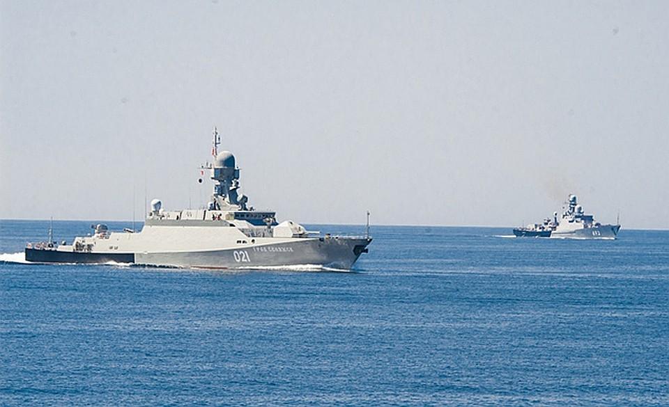 Два ракетных корвета Каспийской флотилии вышли вСредиземное море