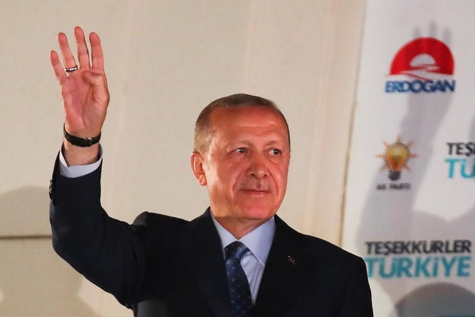 «Вам необходимо заткнуться»: секретарь Эрдогана строго ответил конгрессмену США
