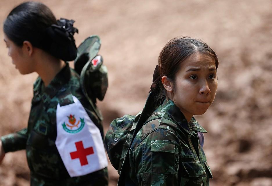 Таиланд: Попавшую вловушку футбольную команду вплоть доэтого времени ненашли