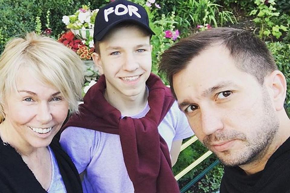 Ксения Стриж неожиданно возвратила ребенка вдетский дом