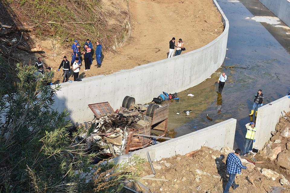 Выжить удалось лишь пятерым в том числе водителю грузовика