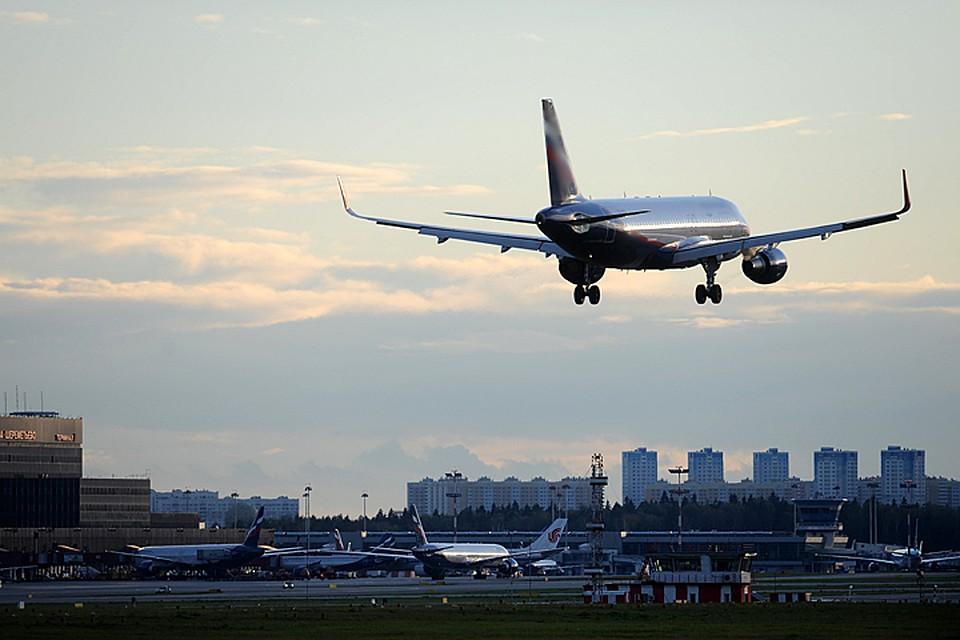 В русском  аэропорту Шереметьево самолет насмерть сбил человека