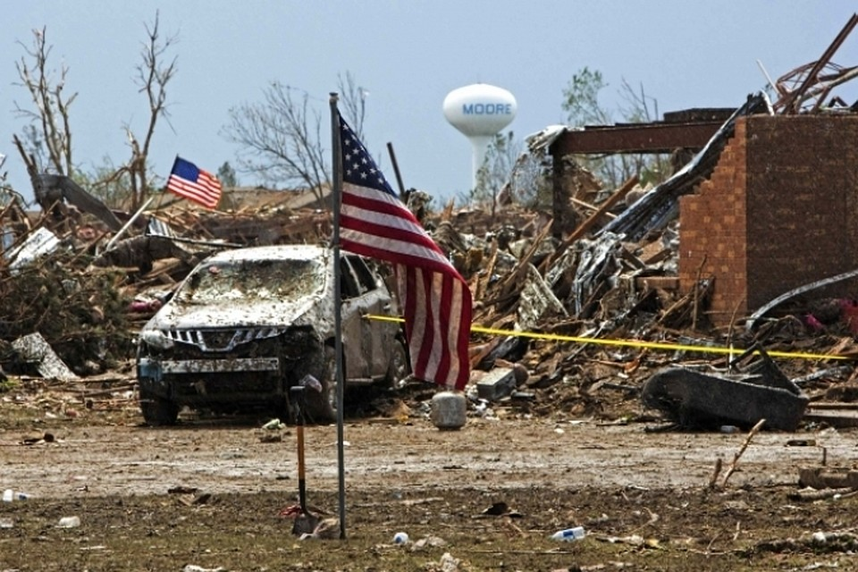 В итоге торнадо вИллинойсе пострадали неменее 20 человек
