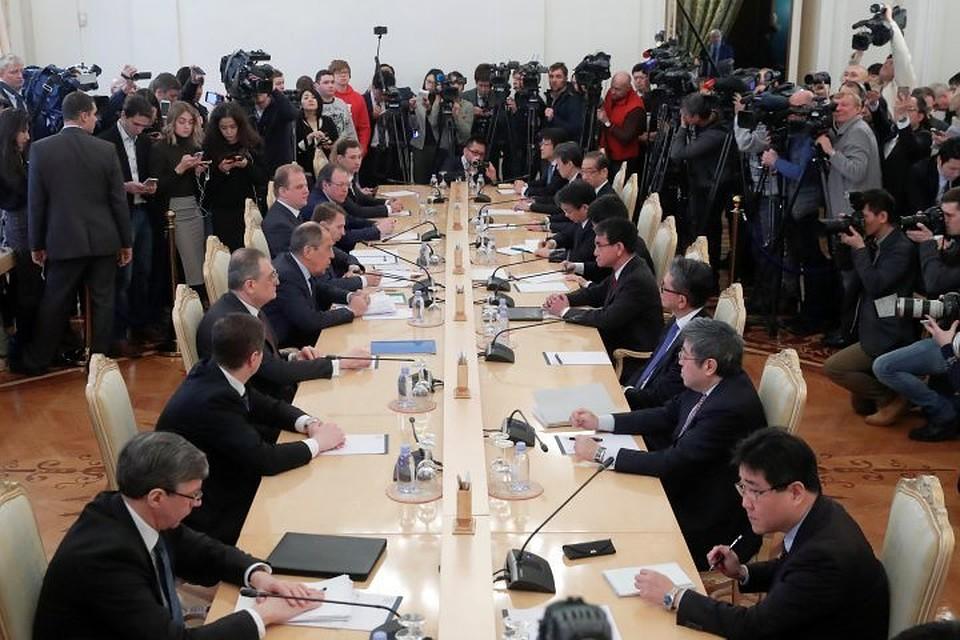 «Серьёзные иоткровенные»: вЯпонии оценили переговоры Лаврова иКоно
