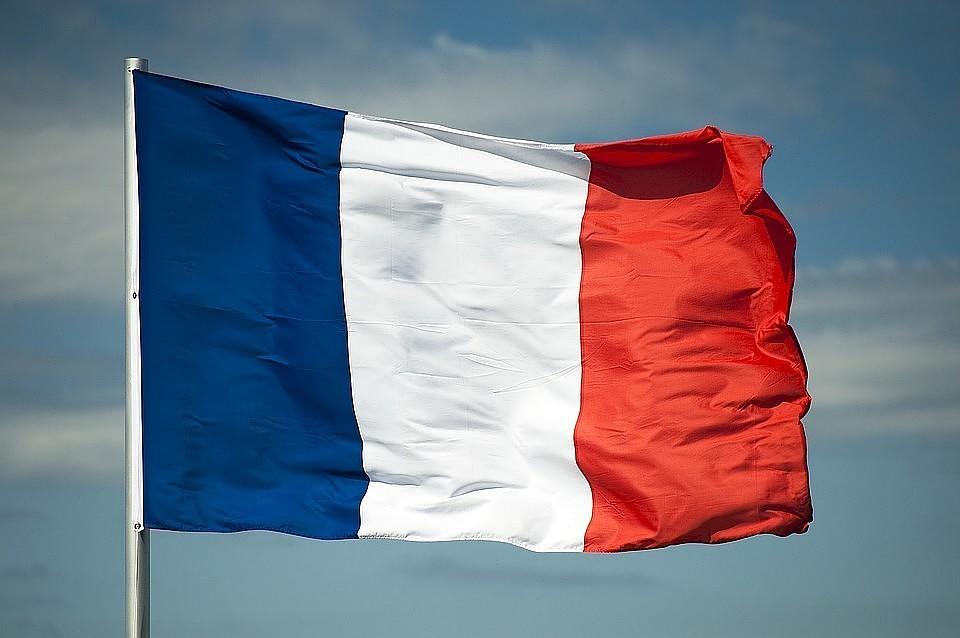 Французский депутат призвал «покончить сантироссийской истерией»