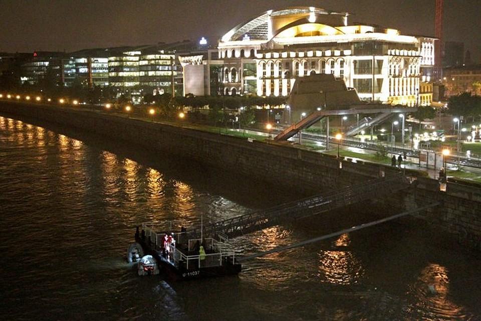 Столкновение двух прогулочных катеров произошло на Дунае возле парламента Венгрии