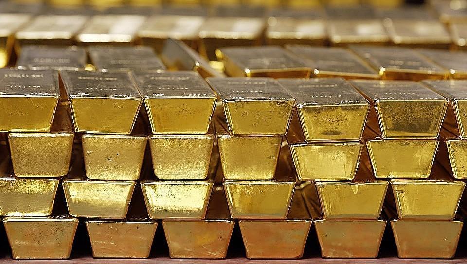 Цены на золото на торгах впервые превысили шестилетний максимум