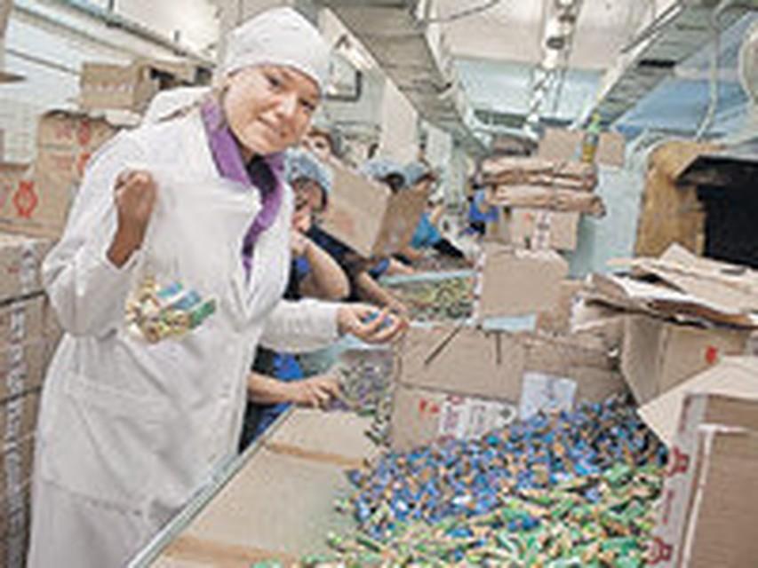 Требуется упаковщица конфетной продукции в санкт-петербурге .